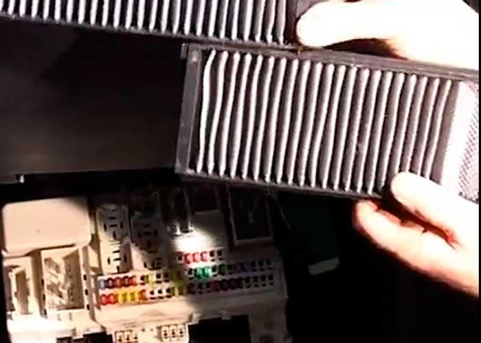Замена салонного фильтра мазда 3 2006 года своими руками 42
