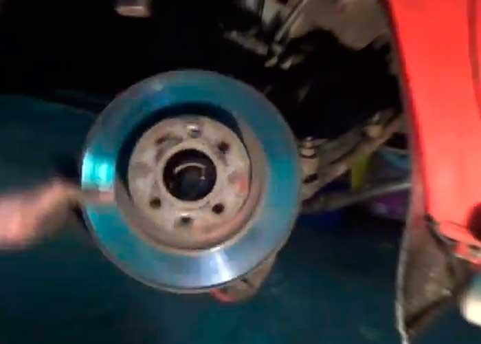 Замена передних тормозных колодок рено кангу Замена роликов ГРМ renault
