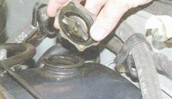 Крышка маслозаливной горловины своими руками