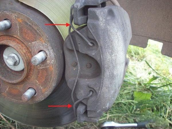 Замена тормозных колодок на форд фокус 3 своими руками 17