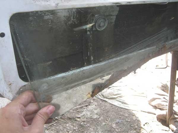 Замена лобового стекла своими руками на ниве