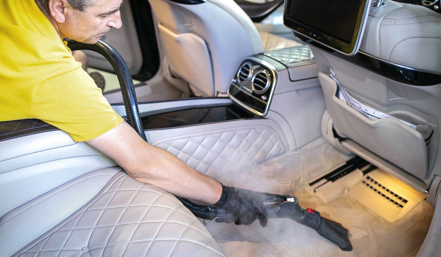 Особенности химчистки автомобильного салона