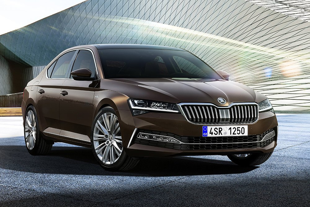 Элегантность и надежность современного Škoda Superb