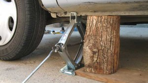 Важность применения домкрата при ремонте автомобиля