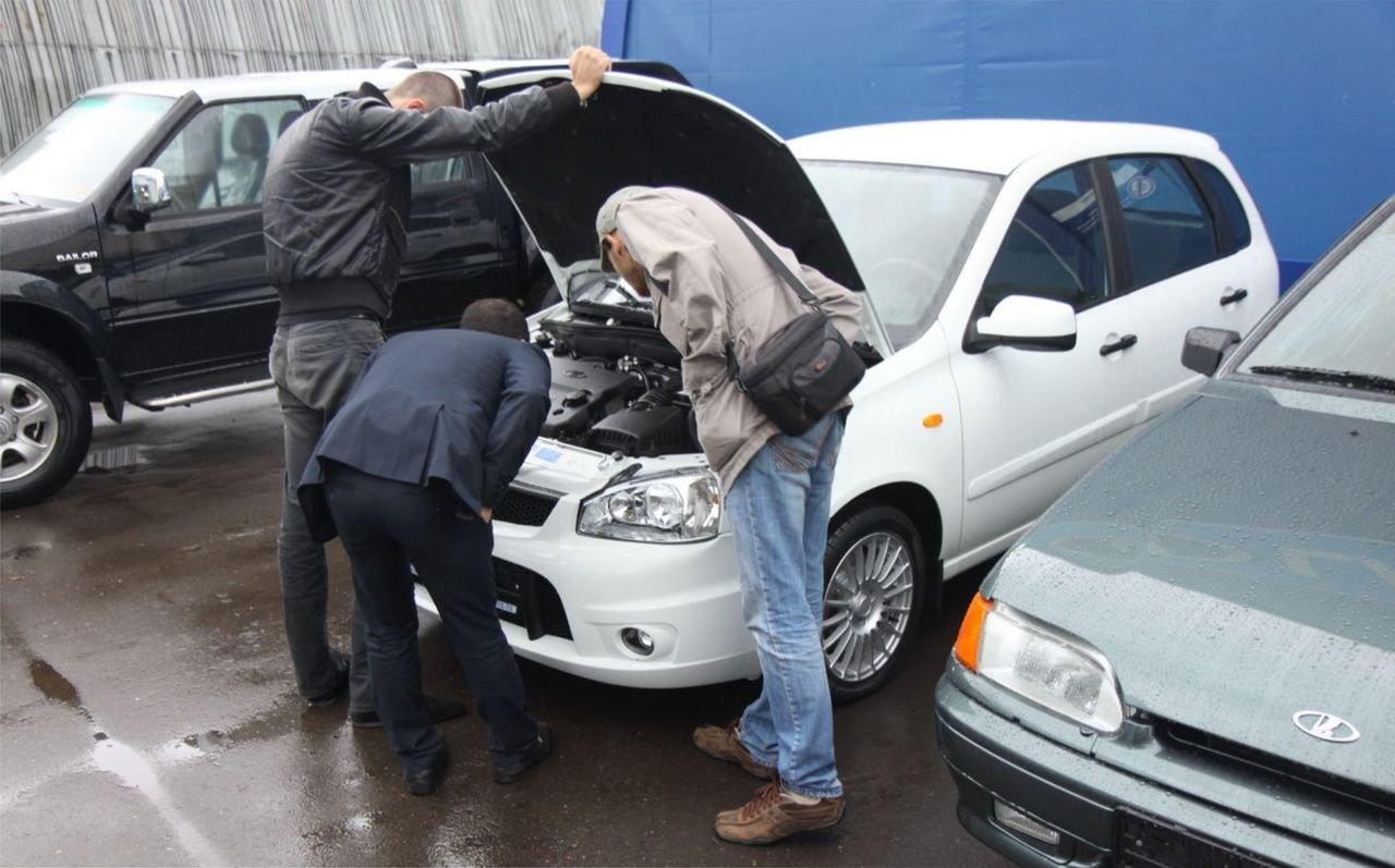 Особенности покупки автомобиля с пробегом в автосалоне
