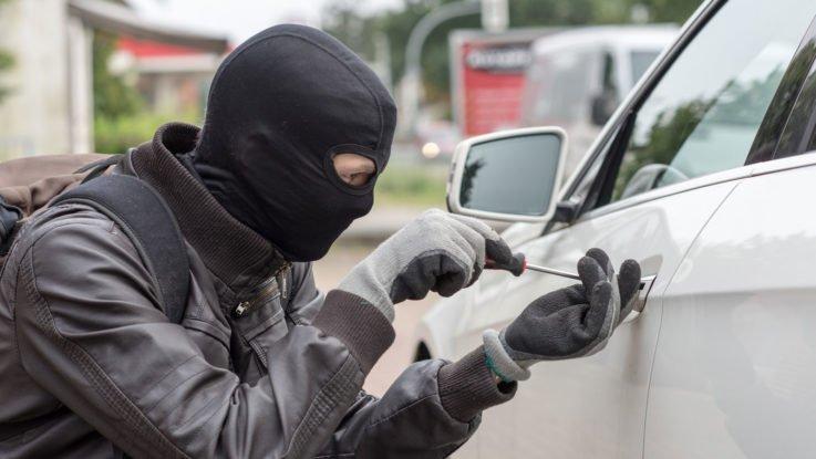 Установка системы безопасности на автомобили LADA для защиты от угона
