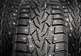 Зимние шипованные шины: как выбрать